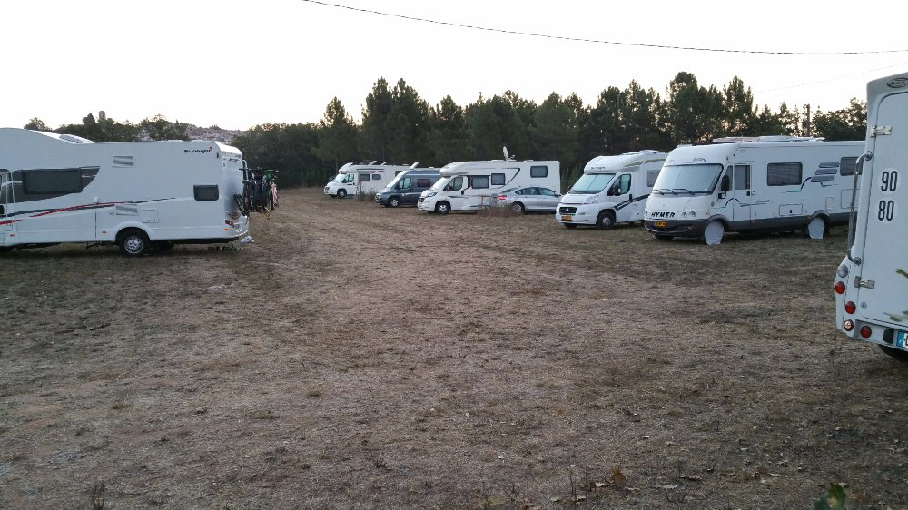 Aire camping-car à Bagnols-en-Forêt (83600) - Photo 6